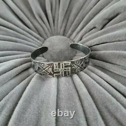 Antique Harvey Era Navajo Whirling Log Stamped Arrows Sterling Cuff Old Pawn