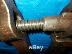 Antique Peter Wright Blacksmith Post Leg Vise 4 Jaw Serifed Stamped Screw Nice