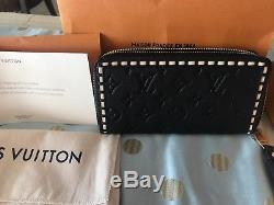 Authentic new Louis Vuitton wallet black and cream gorgeous monogram
