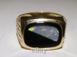 Men's 14K Yellow Gold Ring Inlay Opal Onyx Stamp V38 14k Holland Vintage Estate