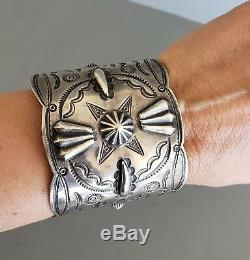 RARE Vintage Early Fred Harvey Era NAVAJO Silver Stamped Repoussed Bracelet